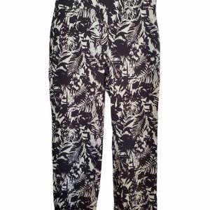 Black & White stretchy Capri pants VIC0037